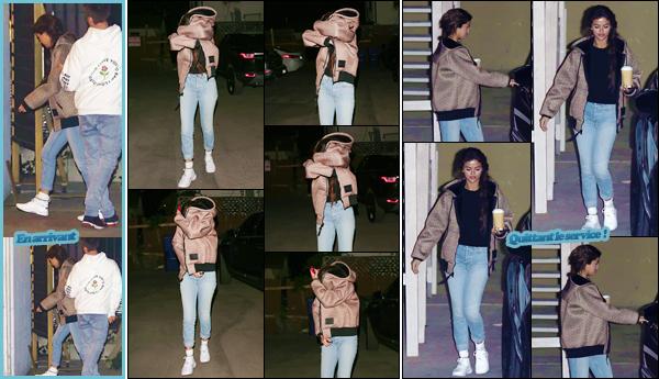 '- '-◊-21/02/18-' : Selena Gomez quittait un service religieux à la « Hillsong Church » avec Justin à Beverly Hills. Par la suite, Selena Gomez a été photographiée alors qu'elle se cachait le visage, quelque part dans la ville de Los Angeles... Je lui accorde un petit bof !-