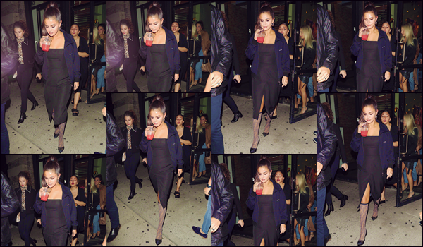 - '-• 08/09/18-''─ Selena Gomez a été photographiée alors qu'elle se trouvait avec plusieurs amies, à New York. Quittant donc un commerce en compagnie de ses bonnes copines, l'américaine a été prise en photo, en exhibant ses chaussettes Versace. -