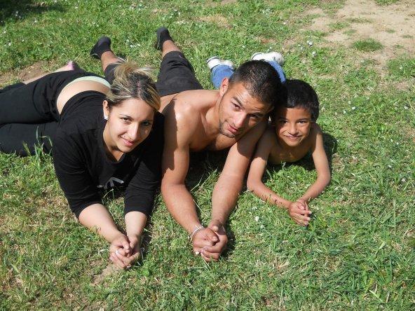 ma prinsese d'amour, moi et notre petit cousine le 17.04.2011 on se regalere
