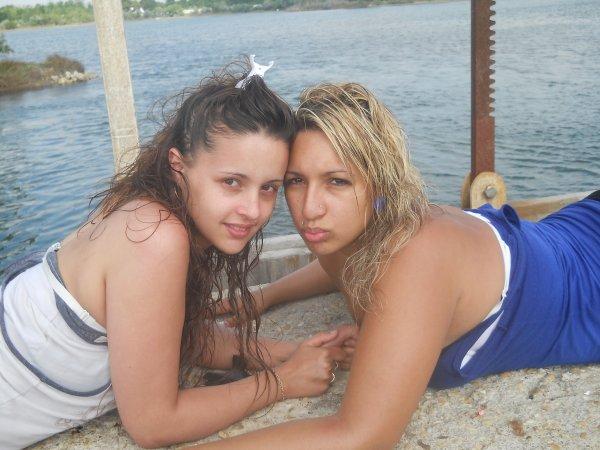 l`Amour de ma vie & ma cousine <3 .