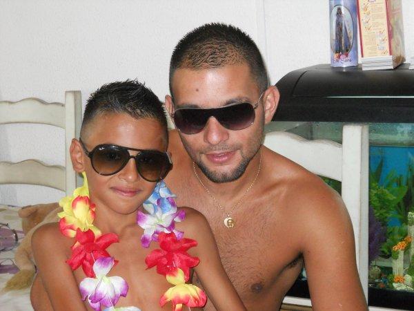 Mon homme & mon petit cousin <3 .