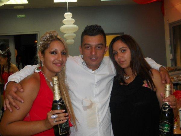 ma star et notre belle soeur et mon frere mikael