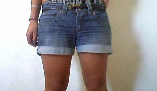 Être jolie n'a rien à voir avec la taille, de ton jean!!