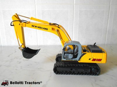 New Holland Kobelco E215
