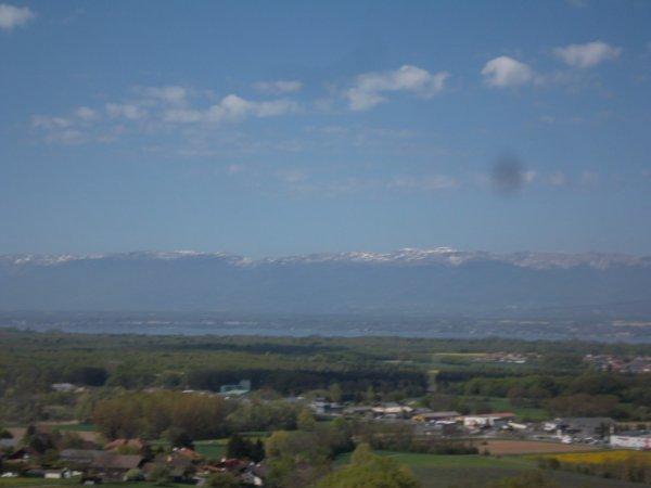 photos prises ce matin depuis Ballaison  il y a encore un peu de neige en montagne   !!!