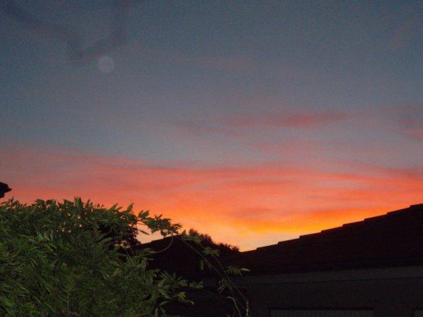 coucher de soleil ce soir à Douvaine  bonne soirée à tous et à toutes    !!!
