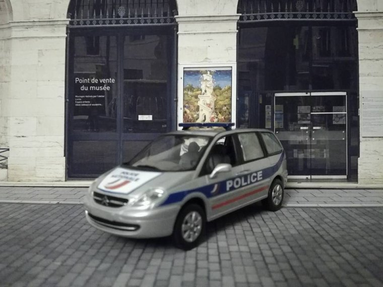 Police Nationale - Citroen C8
