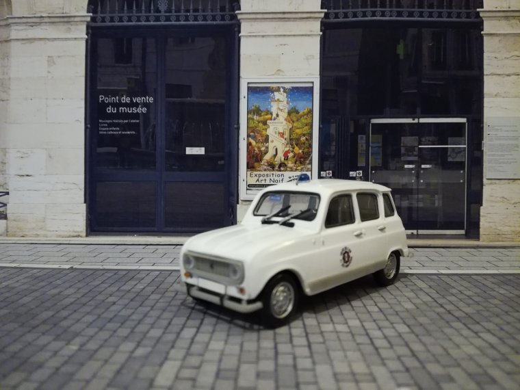 Police Nationale P.A.F (Police aux Frontières)   - Renault 4 L