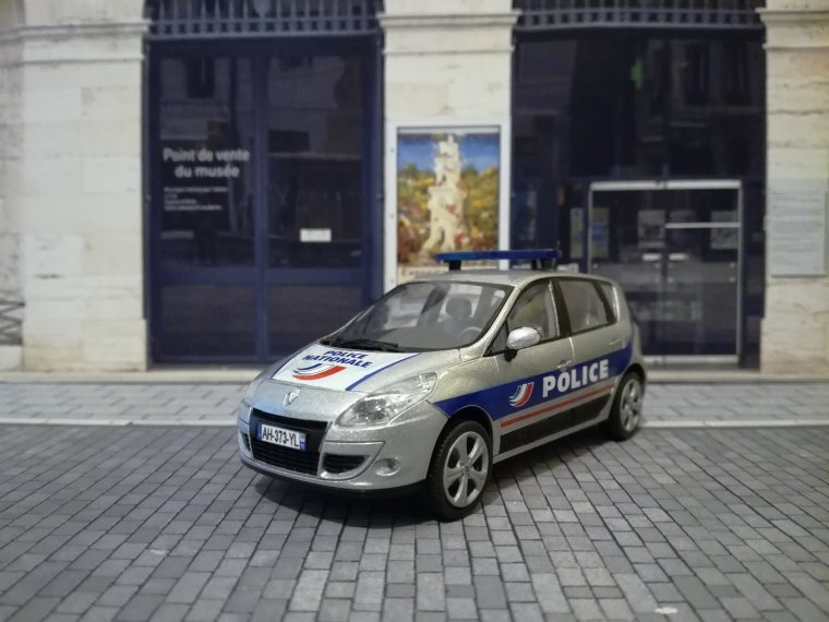 Police Nationale PP - Renault Scenic