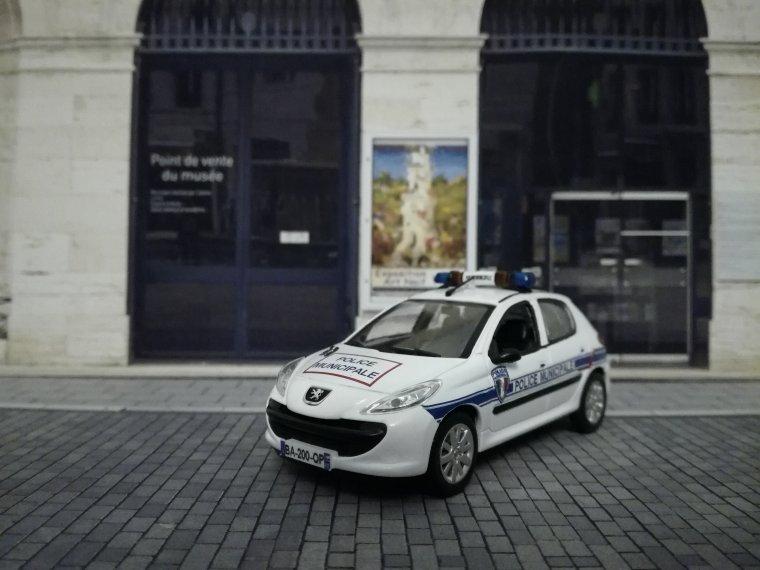 Police Municipale de St Quentin 02 - Peugeot 206+