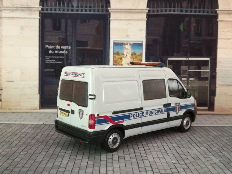 Police Municipale de St Quentin 02 - Renault Master