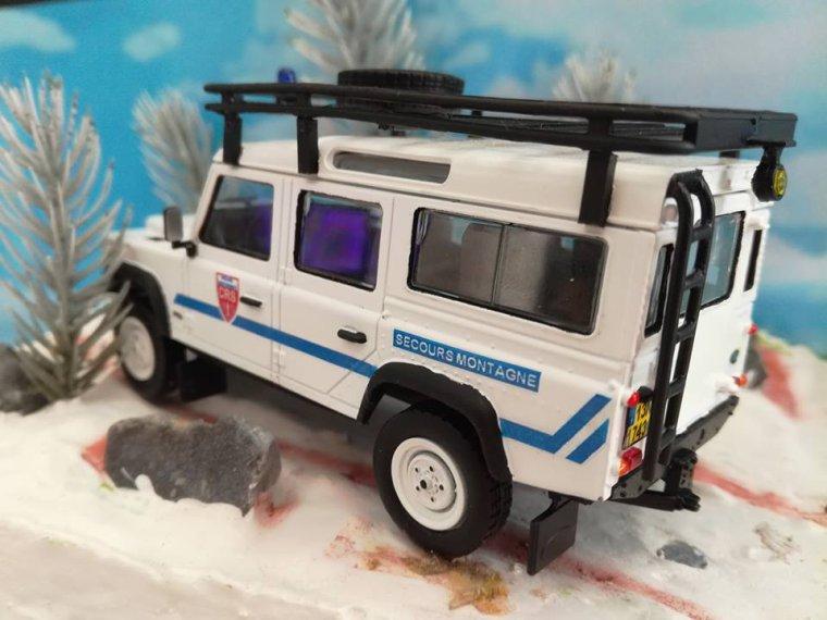 Police Nationale CRS - Land Rover Defender Secours en Montagne