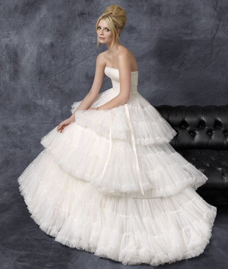 ADVERTISEMENTS > Rosa Clara 2011 Bridal Collection