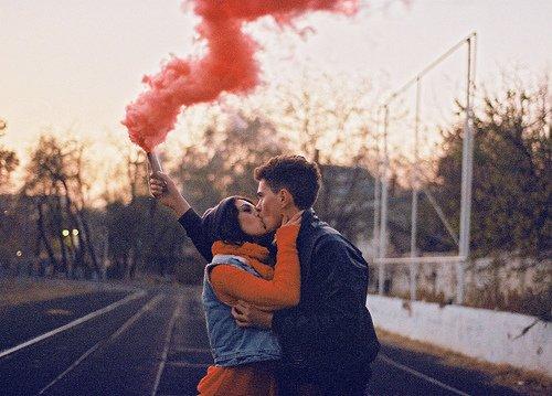 «Comme quoi une femme sans amour c'est comme une fleur sans soleil, ça dépérit.»