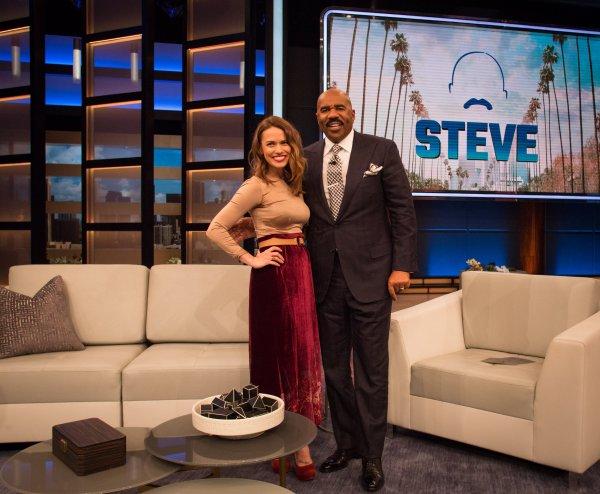 .  18/02/2018 : Bethany passait dans le show de Steve Elle parle notamment de sa participation dans la série Grey's anatomy  .