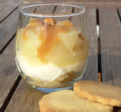 Verrine de poires, crème caramel au beurre salé