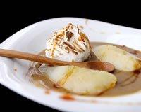 Iles flottantes à la crème de marron et poires pochées