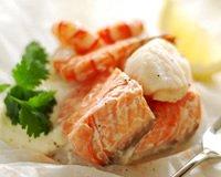Papillotes de saumon aux crevettes et St-Jacques