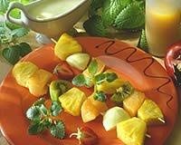 Brochettes de fruits exotiques en papillote