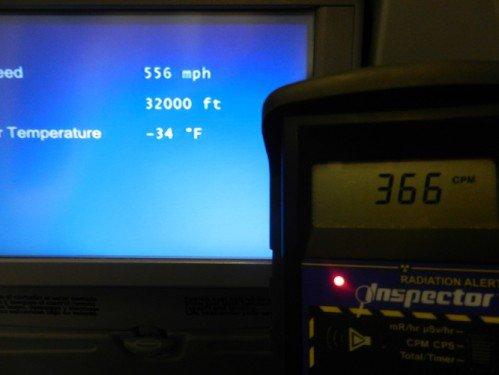Fukushima: Un passager mesure les niveaux de radiations dans un avion en vol entre le Chili et les USA, effroyable !