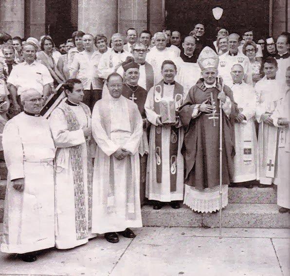Canonisation des papes: la divine comédie a commencé!