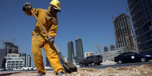 NOUVEL ORDRE MONDIAL SATANIQUE ! Qatar: Plus de 400 népalais sont déjà morts sur les chantiers de la coupe du monde