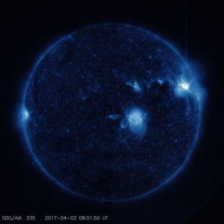 BIG ONE MONDIAL IMMINENT ET FIN DE VIE SUR TERRE ! ARRIVEE DE NIBIRU :trois éruptions solaires pour débuter avril