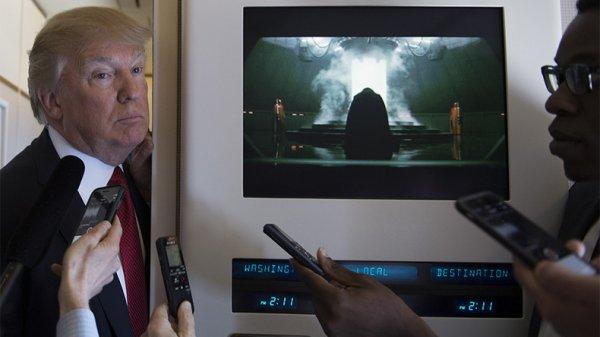 Côté obscur ? Donald Trump en compagnie de Dark Vador pour annoncer les frappes en Syrie