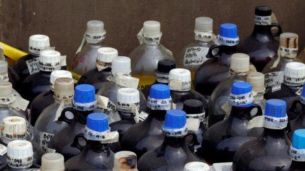 Prolongation sans fin de l'état d'urgence organisée : A 48 heures des élections, des produits chimiques pouvant servir à confectionner des explosifs dérobés près de Paris