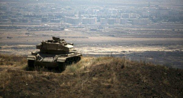 3 GUERRE MONDIAL 2017 EN MARCHE : Israël tire sur l'armée syrienne dans la province de Quneitra depuis le territoire occupé du Golan