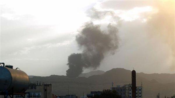 3 GUERRE MONDIAL 2017 EN MARCHE : Yémen: l'Arabie largue des bombes à fragmentation, l'armée riposte