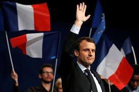 NOUVEL ORDRE MONDIAL SATANIQUE NAZI :Quand Macron prétendait qu'il manque un roi à la France