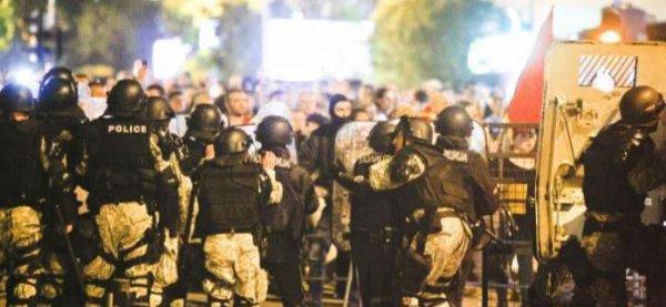 Révolution Mondial :Faction pro-occidentale bloquée dans le Parlement de Macédoine…