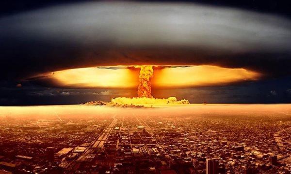 3 GUERRE MONDIAL 2017 EN MARCHE :Comment se mettre à l'abri si une attaque nucléaire frappait la France ?