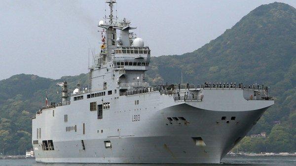 3 GUERRE MONDIAL 2017 EN MARCHE :La France en feu: Un porte-hélicoptères français arrive au Japon pour des exercices militaires