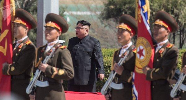3 GUERRE MONDIAL 2017 EN MARCHE :Kim Jong-un ordonne à ses troupes d'être prêtes à briser l'échine de l'ennemi