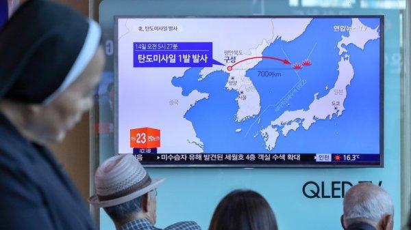 3 GUERRE MONDIAL 2017 EN MARCHE :Le tir du nouveau missile nord-coréen est «d'une portée sans précédent»