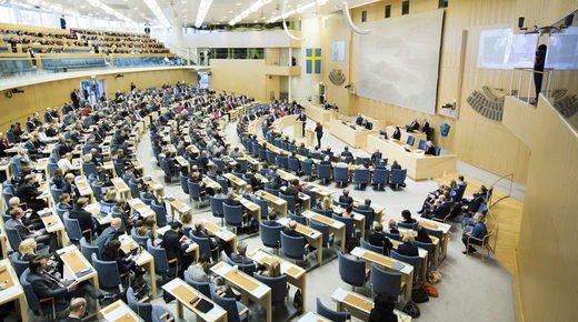 LE NOUVEL ORDRE MONDIAL SATANIQUE NAZI TREMBLE ! LE REVEIL DE LA FORCE EST EN MARCHE :   La Suède interdit la vaccination obligatoire