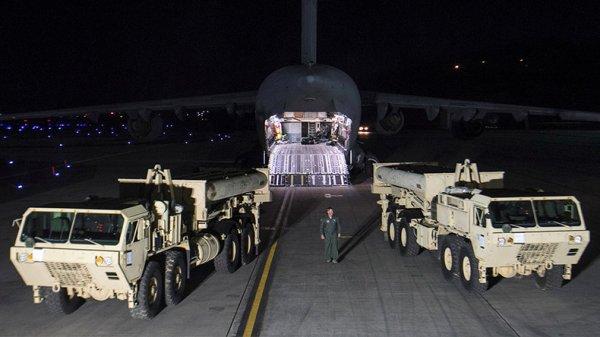 3 GUERRE MONDIAL 2017 EN MARCHE :Le déploiement secret de quatre lance-missiles américains indigne le président sud-coréen