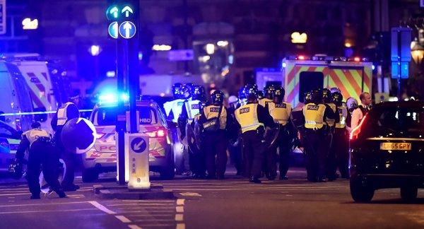 NOUVEL ORDRE MONDIAL SATANIQUE NAZI :ORDO AB CHAOS :6 morts, 48 blessés: ce que l'on sait au lendemain des attaques de Londres