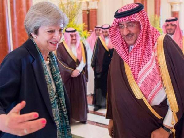 NOUVEL ORDRE MONDIAL SATANIQUE NAZI :Wikileaks : Les documents d'Hillary Clinton révèlent que l'Arabie Saoudite et le Qatar ont financé l'Etat Islamique