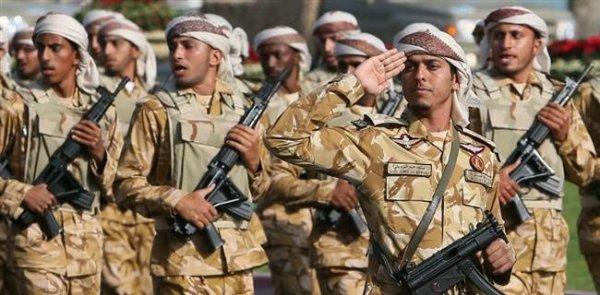 3 GUERRE MONDIAL 2017 EN MARCHE :Avec (en parti) les milliards français, les Qatar envoie se troupes à la frontière Saoudienne