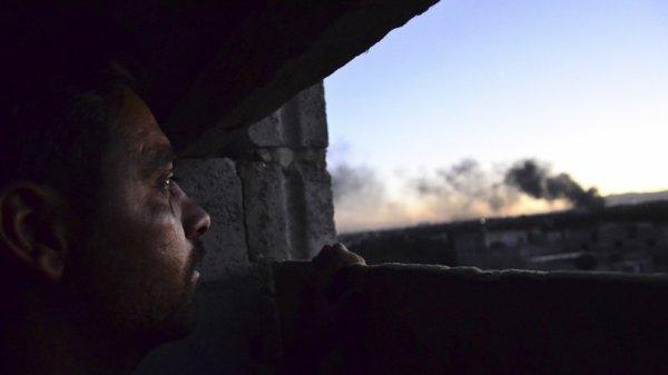 3 GUERRE MONDIAL 2017 EN MARCHE :La coalition menée par les Etats-Unis a abattu un avion militaire syrien près de Raqqa