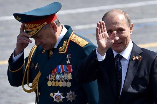 3 GUERRE MONDIAL 2017 EN MARCHE :Un F-16 de l'Otan a cherché à s'approcher de l'avion du ministre russe de la Défense