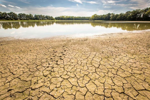 BIG ONE MONDIAL IMMINENT ET FIN DE VIE SUR TERRE ! ARRIVEE DE NIBIRU :Ces arrêtés sécheresse qui deviennent la règle et non plus l'exception