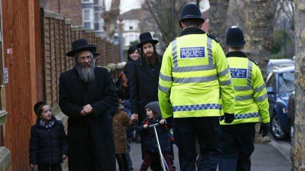 NOUVEL ORDRE MONDIAL SATANIQUE NAZI ET DESTRUCTION DES RELIGIONS EN MARCHE : Une école primaire juive de Londres risque la fermeture pour ne pas enseigner la théorie du genre