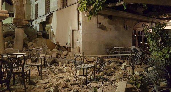 BIG ONE MONDIAL IMMINENT ET FIN DE VIE SUR TERRE ! ARRIVEE DE NIBIRU :Séisme en mer Egée: des victimes parmi des touristes étrangers en Grèce (photos, vidéos)