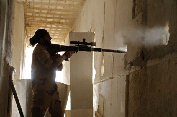 LE NOUVEL ORDRE MONDIAL SATANIQUE NAZI TREMBLE ! LE REVEIL DE LA FORCE EST EN MARCHE :   Complot réel : la CIA met fin au soutien aux rebelles syriens !