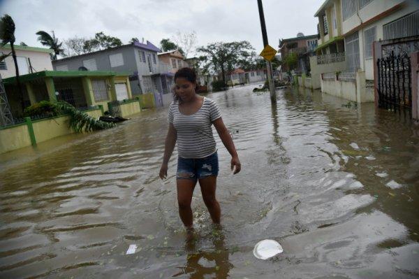 """BIG ONE MONDIAL IMMINENT ET FIN DE VIE SUR TERRE ! ARRIVEE DE NIBIRU :""""Tempête du siècle"""", Maria dévaste Porto Rico"""