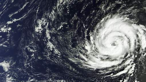 BIG ONE MONDIAL IMMINENT ET FIN DE VIE SUR TERRE ! ARRIVEE DE NIBIRU : L'ouragan Ophelia arrive en Europe
